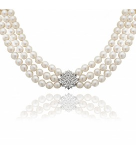 Three strand necklace with baroque pearls