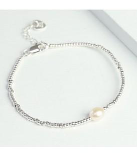 Dainty Bead & Pearl Bracelet
